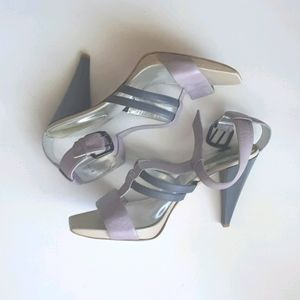 Kenneth Cole   T-strap Heels